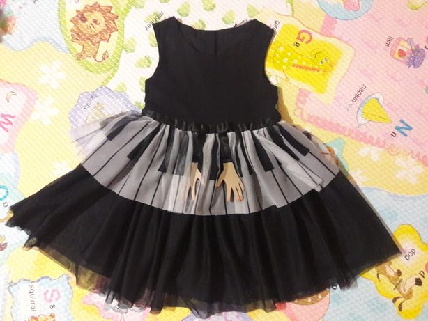 Красивое и неординарное платье для модницы