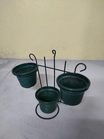 Vasos e base para parede jardim
