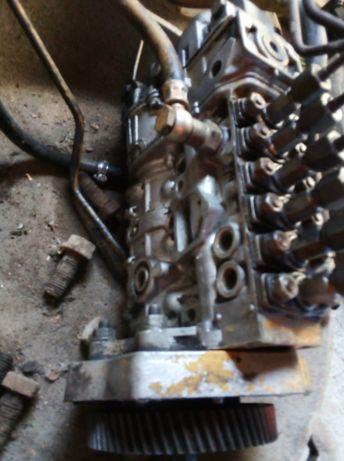 Pompa wtryskowa,skrzynia biegów,reduktor HSW TD15C i elementy podwozia