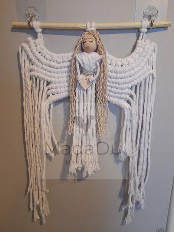 Anioł stróż z sercem. Boho, makrama, naturalny, biały. Prezent