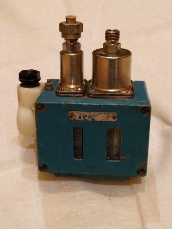 Датчик-реле давления сдвоенный Д220-12