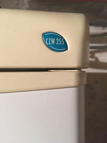 Lodówka Polar CZW255