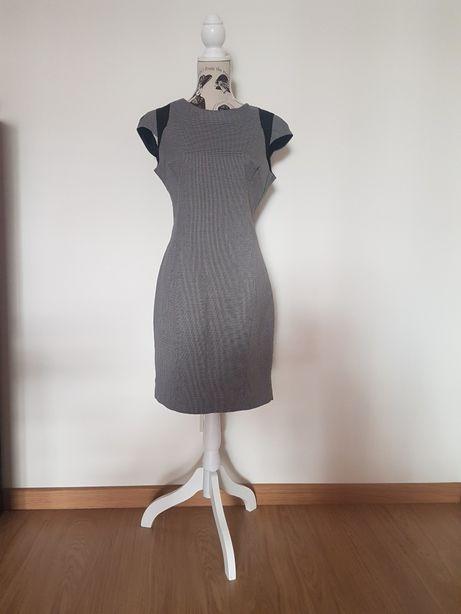 PORTES GRÁTIS - Vestido Justo Cinzento e Preto da Zara (Tamanho L)