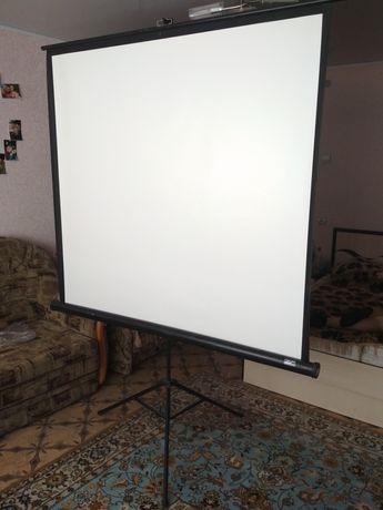 Экран Elite Screens мобильный на треноге t85uws1
