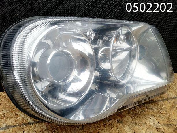 Lampa Chrysler 300C PRAWA (04-07 r.)
