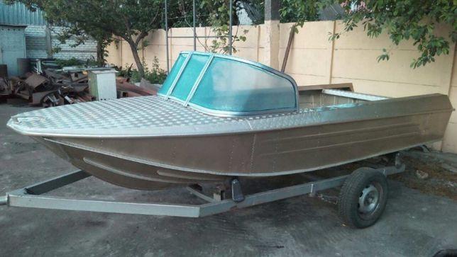 Стекло ветровое. лодка. катер. яхта.