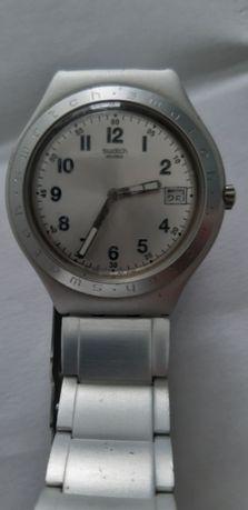 Vendo relógio swatch de criança 6-10 anos. Entrego em Matosinhos.
