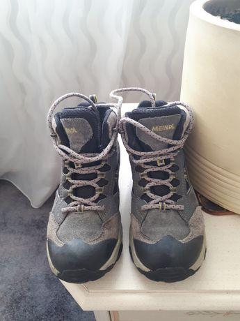 Демисезонные ботинки 32й размер. Хорошее состояние.
