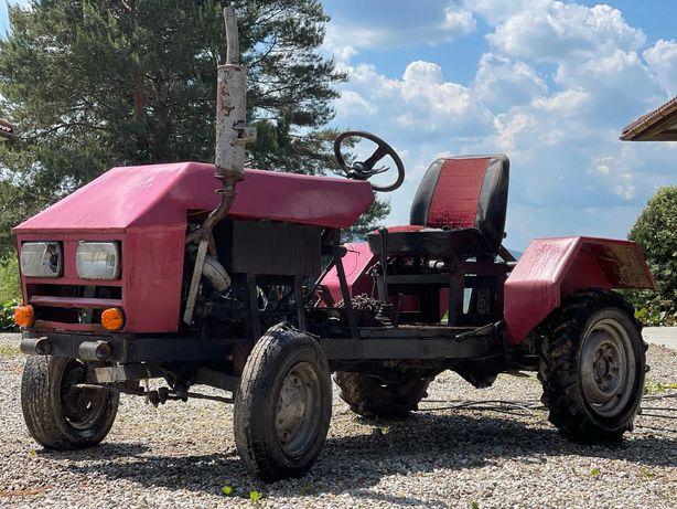 Traktorek SAM z podnosnikiem