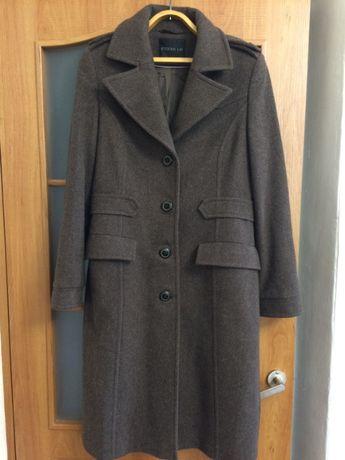 Пальто Италия 40 размер.весна/осень