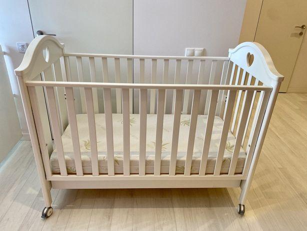 Детская кроватка Erbesi с матрасом