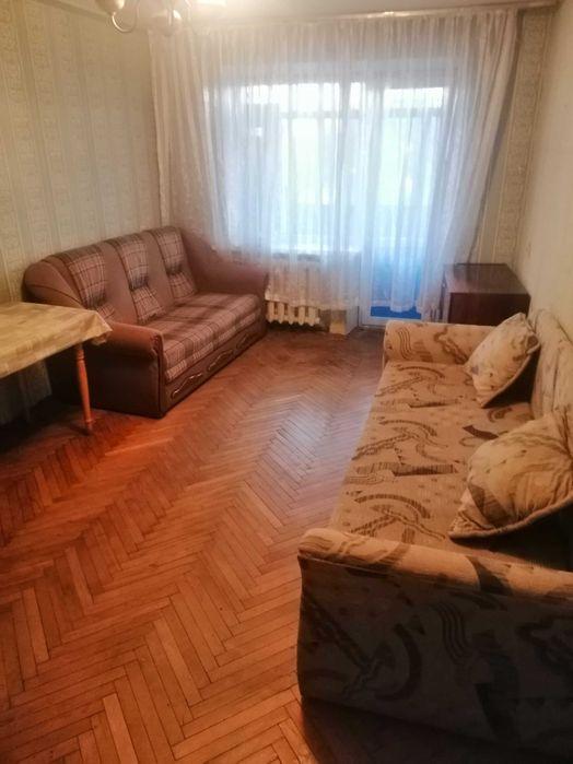 Посутоно квартира на метро Черниговская-1