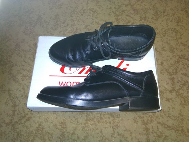 Детские кожаные туфли для девочки