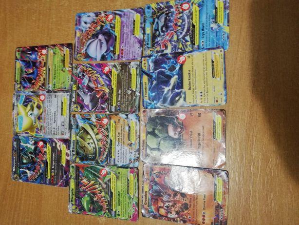 10 kart z Pokemon Go.