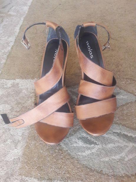 Sandały na koturnie Wojas 36