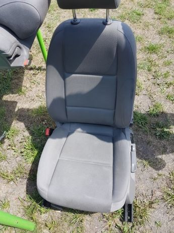 Fotele szare A4 B6 kombi