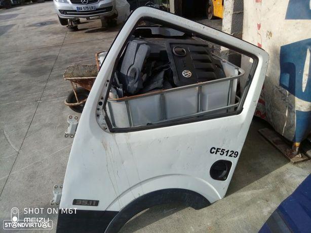 Porta Frt Esq. Nissan Cabstar 2014