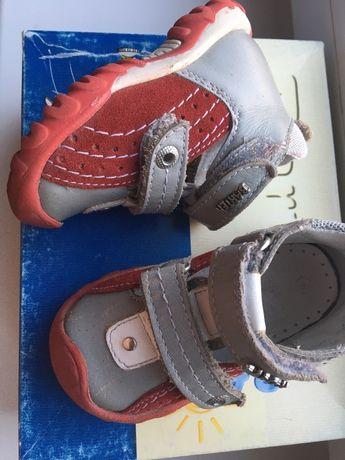 Шикарные туфельки Bartek на ножку 11-11,5 см.