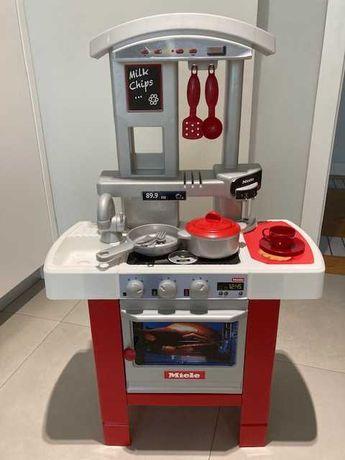 Cozinha e set muito completo e variado de utensílios para criança