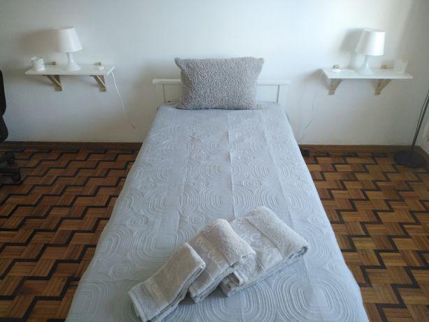 Aluga-se quarto em Faro
