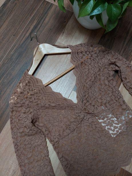 Nowa Efektowna bluzka koronkowa Zara z głębokim dekoltem V r.M
