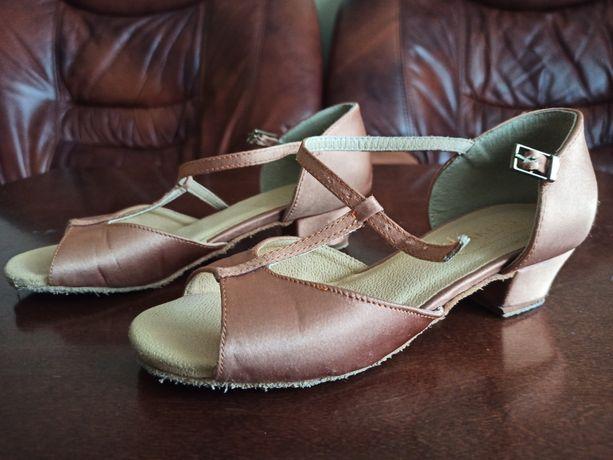 Buty do tańca rozmiar 20