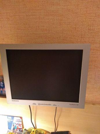 Sprzedam monitor do komputera zawieszany na ścianie Samsung 15 cali