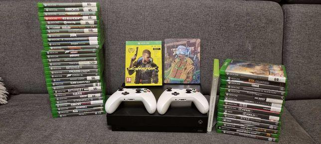 Xbox One X 1 TB + 2 pady + 44 gry