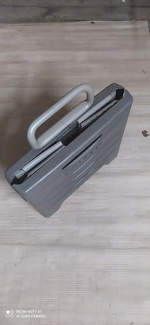 Box   -    skrzynka