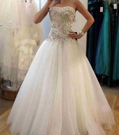 Свадебное платье шикарное камни Swarowsky оригинал!Срочно!