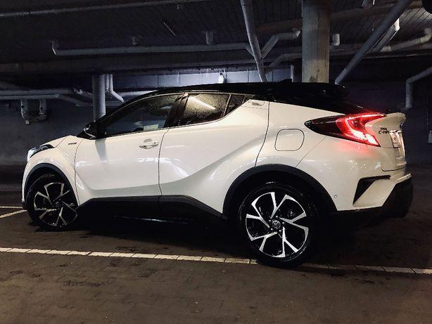 Odstąpię Leasing Toyota C-HR Full wersja Biała Perła 1.8 Hybrid
