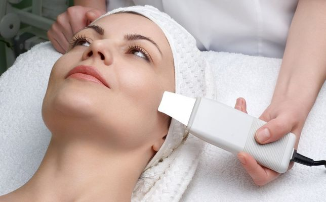 Косметолог Чистка лица восковая депиляция шугаринг лазерная эпиляция