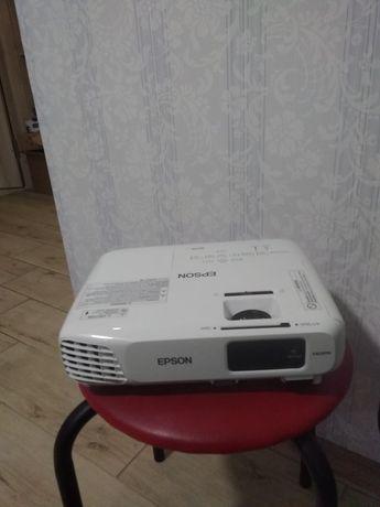 ПРОДАМ Проектор Epson Eb-x18