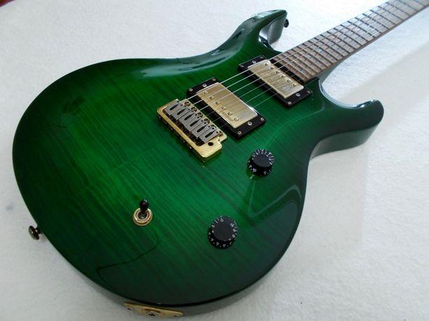 guitarra topo de gama em perfeito estado de funcionamento