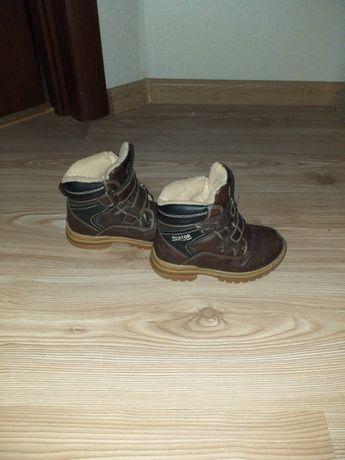 Продам детские ботинки весна-осень, размер по стельке 17см (PLATO)