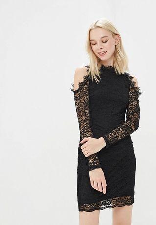 Чёрное с кружевом платье от Befree