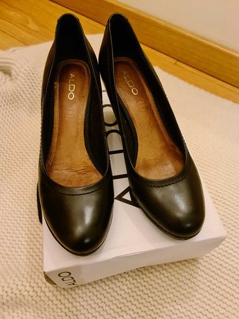 Sapatos Aldo em pele, tamanho 39, calçados uma única vez