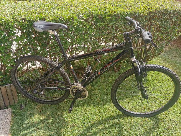 Bicicleta de Montanha impecável