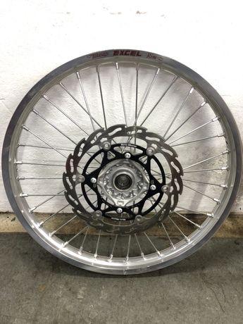 Rodas completas RMZ, cubos RMZ KXF e aros de roda