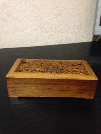 Шкатулка деревянная, старинная