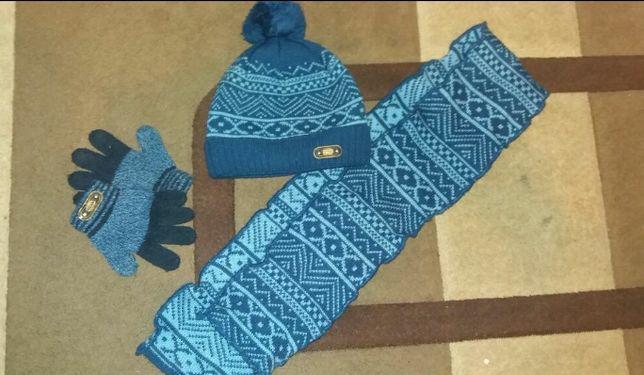 Комплект шапка шарф рукавиці на 4 - 5 років комплект