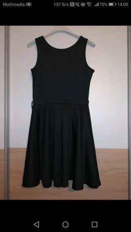 Czarna, codzienna, rozkloszowana sukienka