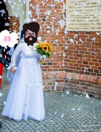 Suknia ślubna szyta na miarę (rozm. 42-44)