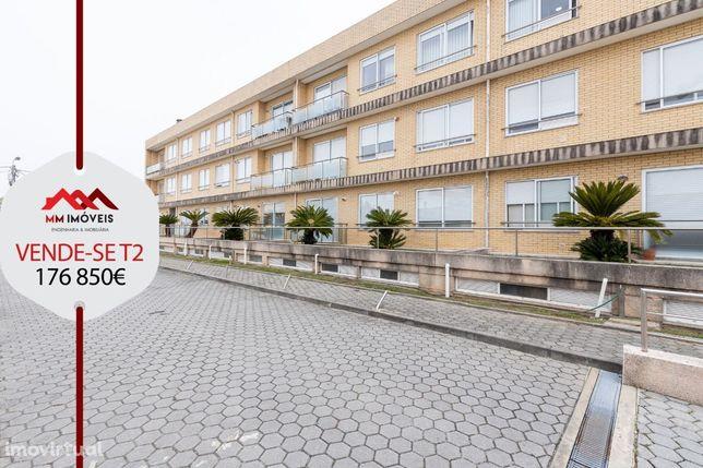 Apartamento T2   Condomínio_fechado   2 Frentes     Box