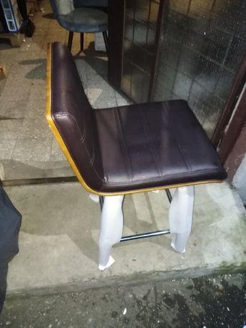 Hoker / krzesło barowe obrotowe tapicerowane / lite drewno
