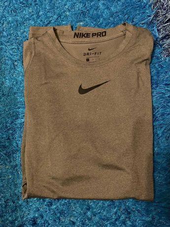 Tshirt NIKE PRO 38