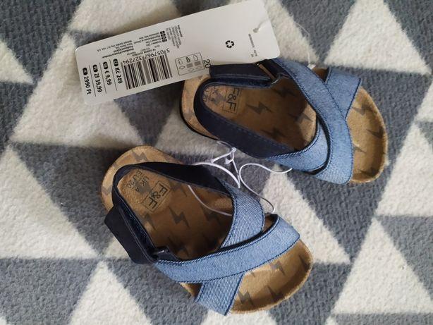 Sandały, nowe rozmiar 20