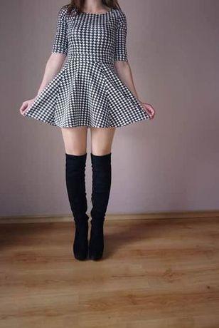 piękna sukienka w pepitkę