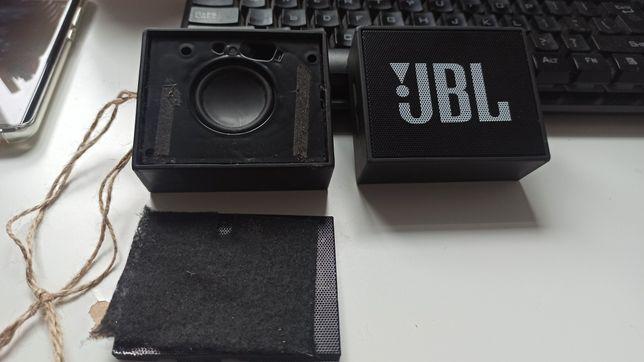 Sprzedaje dwa JBL go w kolorze czarnym
