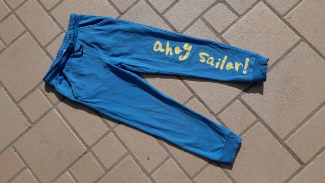 Spodnie dresowe r. 128